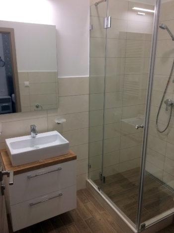 5. szoba fürdő Katzer Villa