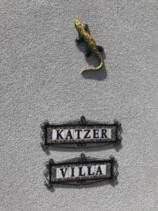 Katzer Villa tábla